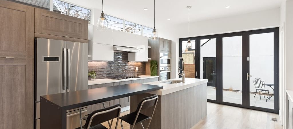Denver-ModernArchitecture-OpenKitchen-AccordionDoors-1024x450.jpg