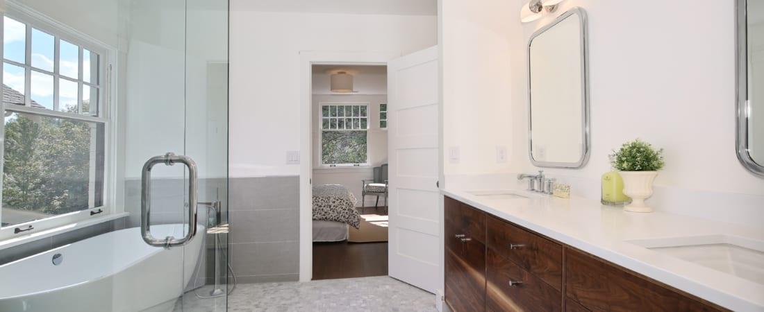 Master-Bathroom-1100x450.jpg