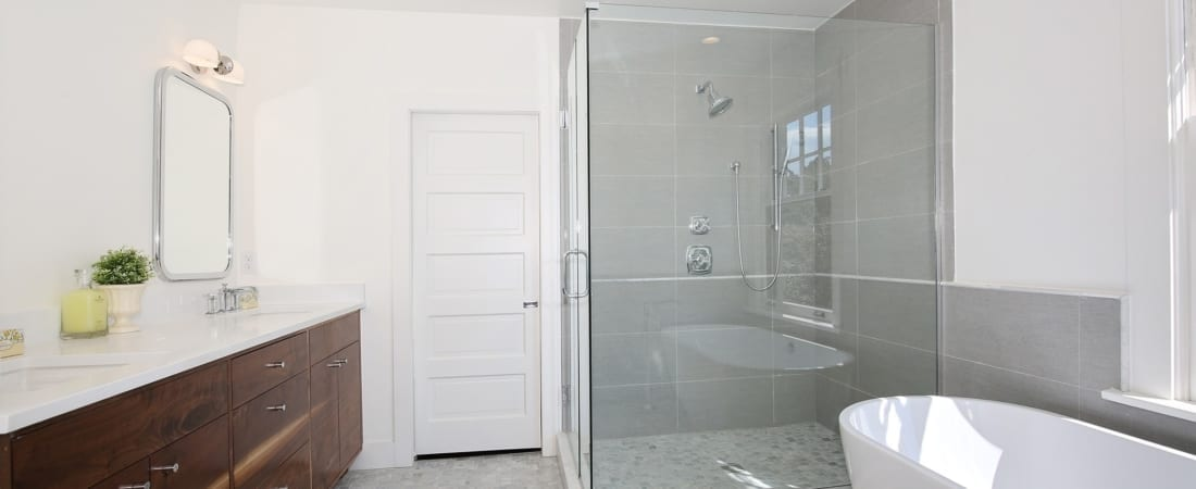 Master-Bathroom-2_SMALL-FOR-MLS-UPLOAD-1100x450.jpg