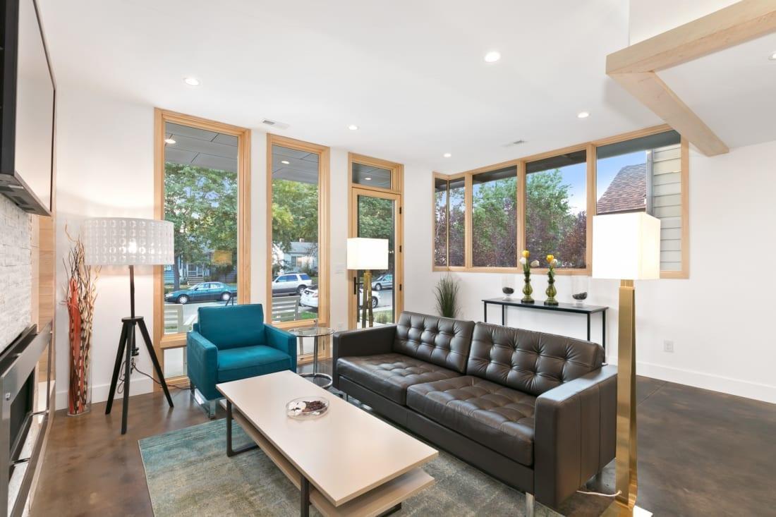 Denver-ModernArchitecture-Gilpin-Windows-Light-1100x733.jpg