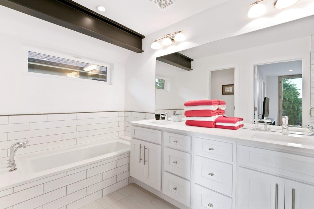 Denver-ModernArchitecture-Gilpin-contemporarybathroom-1100x733.jpg