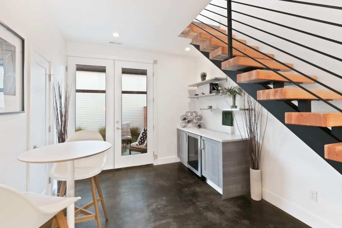 Denver-ModernArchitecture-floatingstaircase-1100x733.jpg