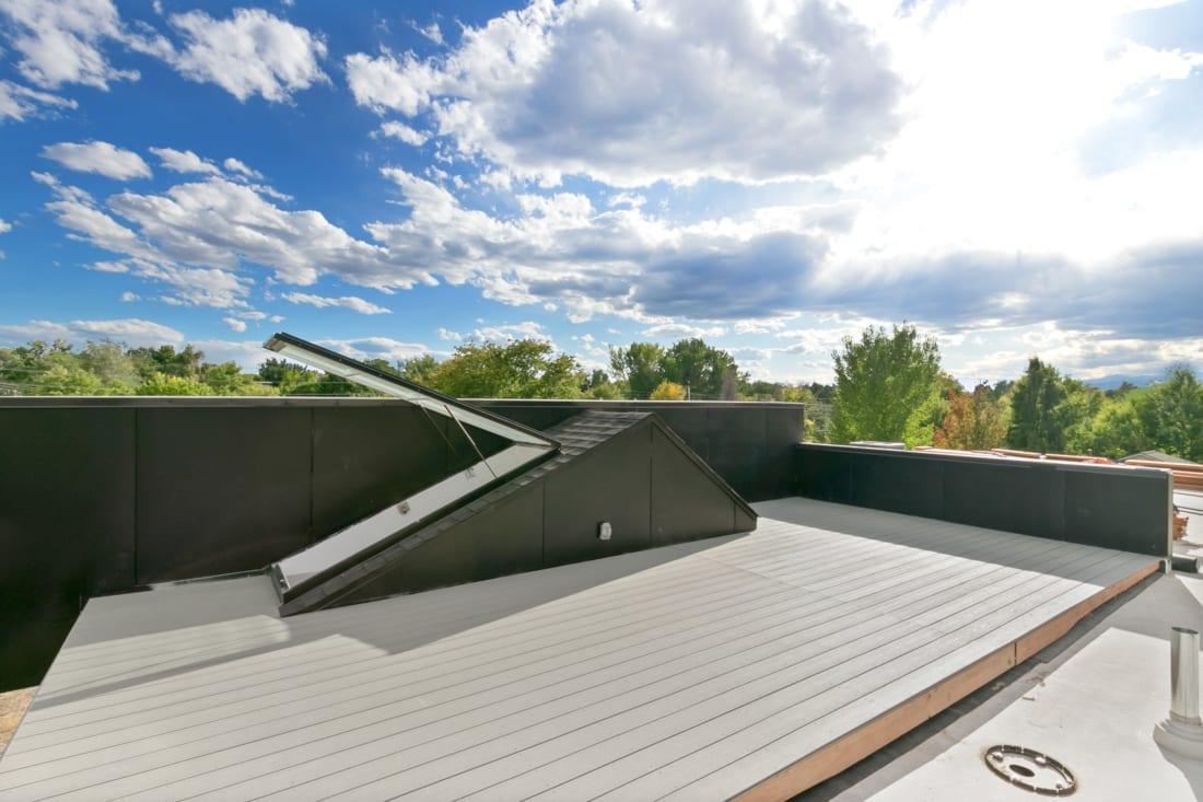 Denver-ModernArchitecture-rooftopdeck-1100x733.jpg